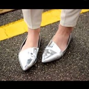 🎃3/$20🎃Zara Metallic Silver Pointed Toe Flats